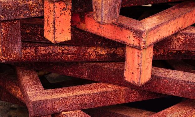 Ferrugem de metaiscorrosivo ferrugem em estrutura de aço de ferro usado como ilustração para apresentação