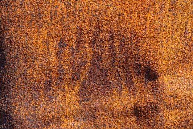 Ferrugem na superfície metálica
