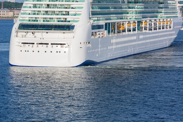 Ferry-boat no golfo da finlândia