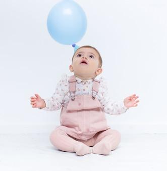 Festa de aniversário de bebê com balões