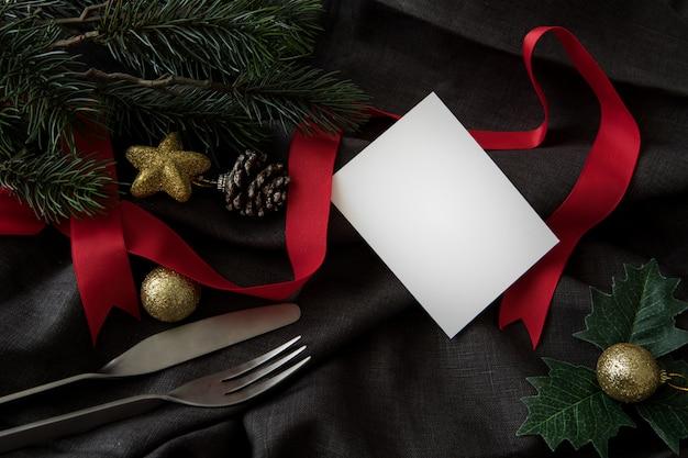 Festa de ano novo de natal com fundo de cartão de jantar utensílio celebrar o tempo de feliz