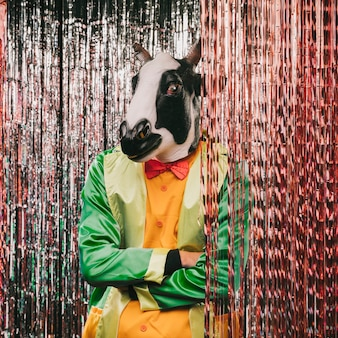 Festa de carnaval com tema de disfarce de mistério