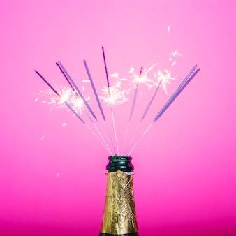 Festa de champanhe com sparklers