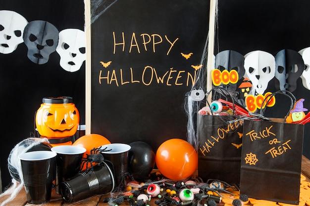 Festa do dia das bruxas com decorações