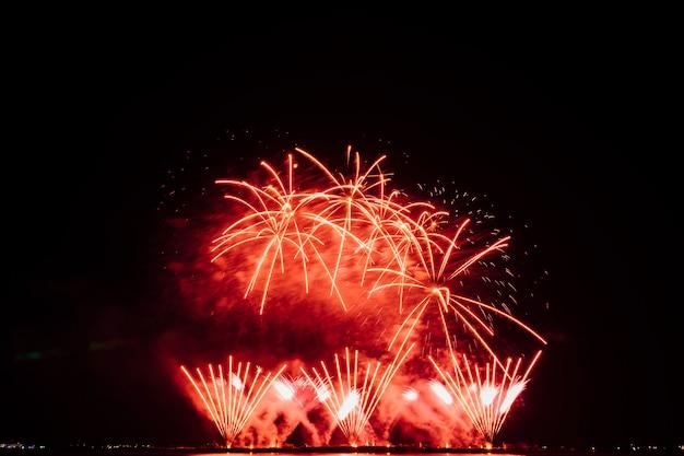 Festival de fogo de artifício na tailândia