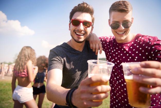 Festival de música com meu amigo
