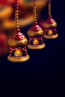Festival indiano de diwali, lâmpada de óleo de argila bonita para a celebração do diwali