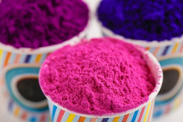 Festival indiano holi, cores no copo