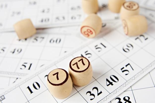 Fichas e cartas de loteria
