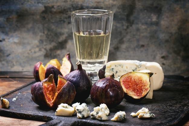Figos e queijo
