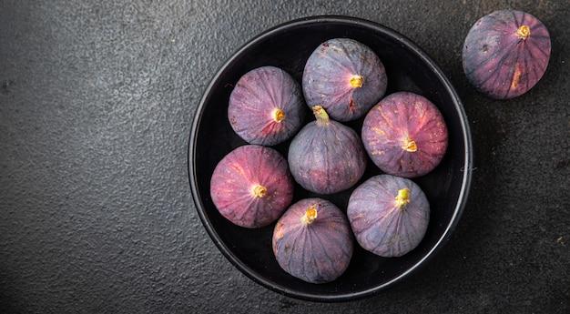 Figos fruta fresca pronta para comer refeição lanche na mesa cópia espaço comida fundo vista superior rústica