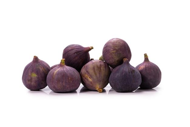 Figos saborosos isolados no fundo branco. Foto Premium