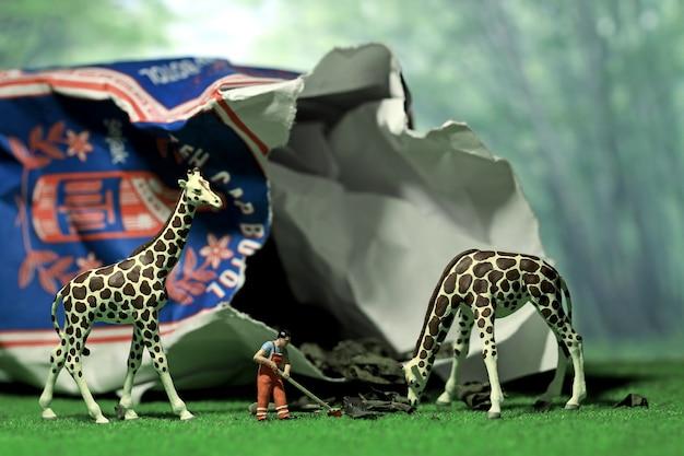 Figura em miniatura girafa