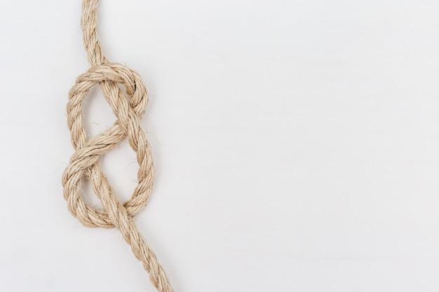 Figura-oito nó ou nó flamengo na corda clara, espaço da cópia.