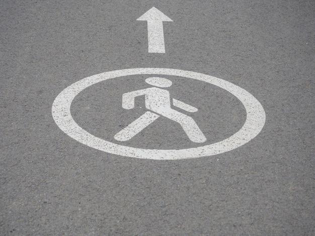 Figura pedestre caminhando