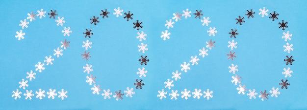 Figuras 2020 feitas de flocos de neve