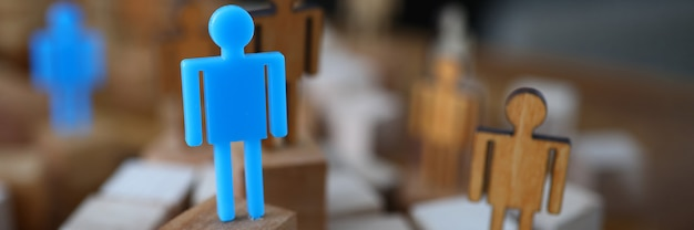 Figuras pessoas para apresentação closeup de madeira e plástico