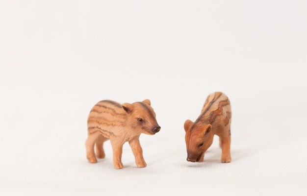 Figuras realistas de animais selvagens