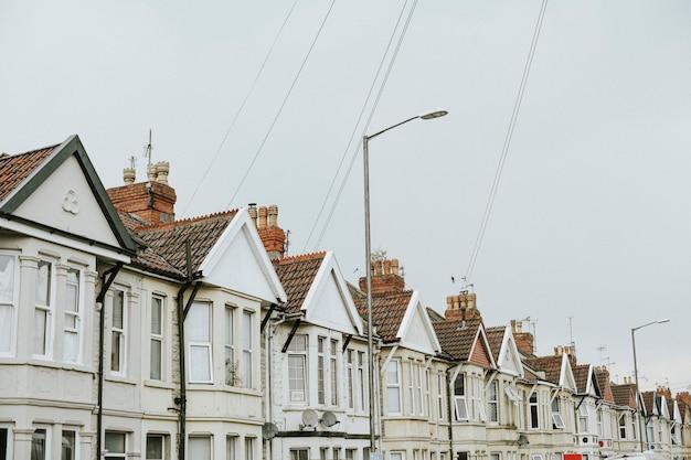 Fila, de, casas, em, um, suburbano, área