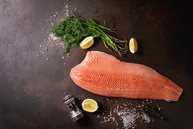 Filé de salmão cru