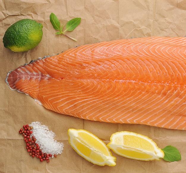Filé de salmão vermelho
