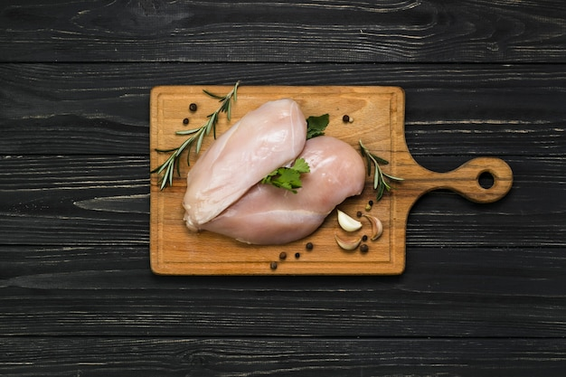 Filé e especiarias de frango