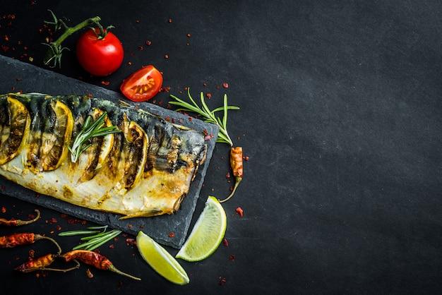 Filetes de mackrel grelhados