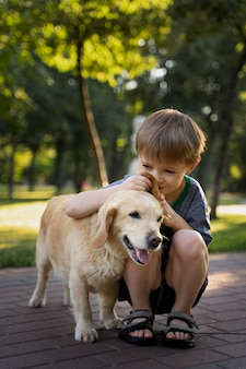 Filhote de cachorro cheio de cheiro