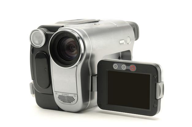 Filmadora amador vintage em uma superfície branca isolada