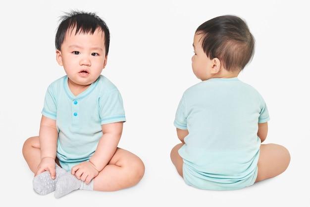 Filmagem de roupas de bebê em estúdio