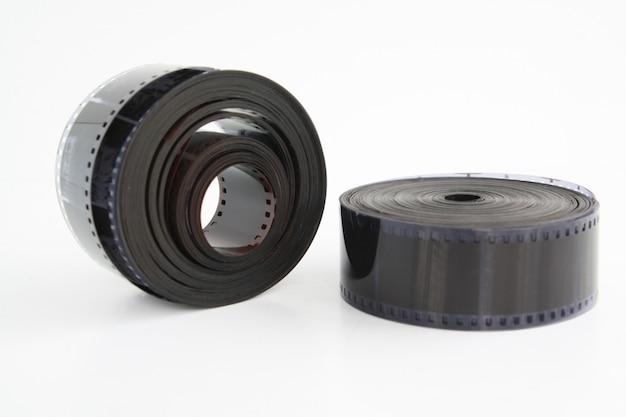 Filme de câmera na parede branca