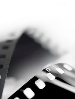 Filme de close-up de um rolo de filme fotográfico de 35 mm