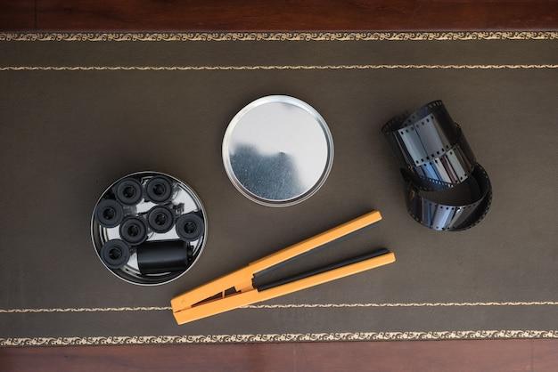 Filme de fotografia 35 mm e carretel