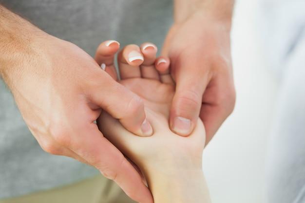 Fim da massagem dos fisioterapeutas