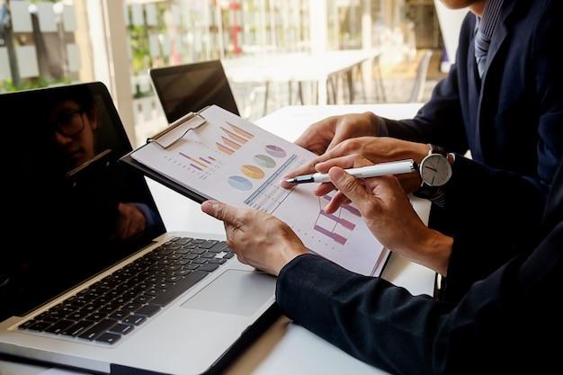 Finanças empresário sucesso pessoal local de trabalho contabilidade