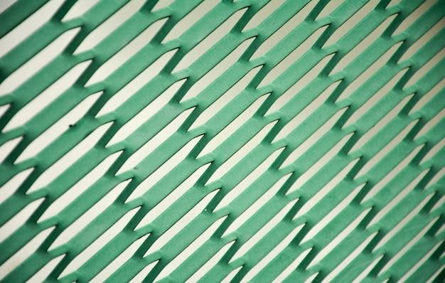 Fio de metal verde