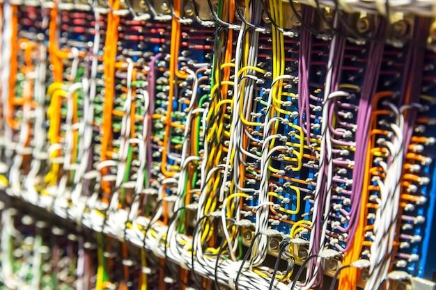 Fios e cabos eletrônicos retrô
