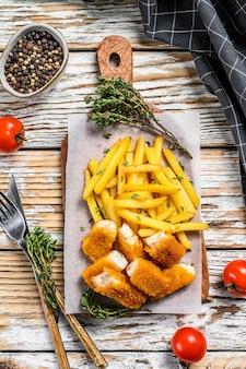 Fish and chips, fast food britânico com molho tártaro