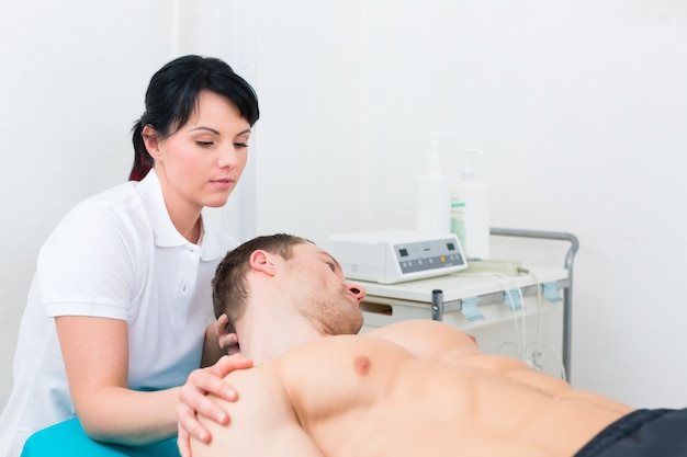 Fisioterapeuta definir paciente na prática