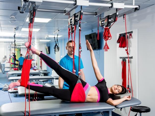 Fisioterapia. terapia de treinamento em suspensão.