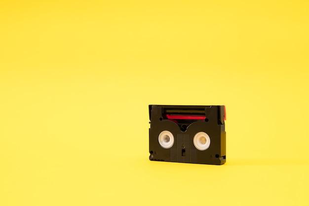 Fita cassete mini dv usada para gravar vídeo no passado.
