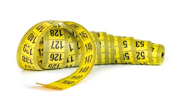 Fita métrica amarela isolada, objeto