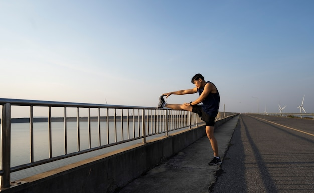 Fitness, corrida, corrida, exercício, estilo de vida e conceito saudável.