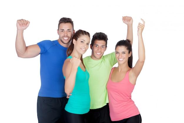 Fitness feliz amigos comemorando algo