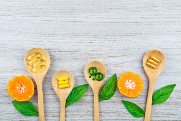 Fitoterapia alternativo, vitaminas e suplementos naturais
