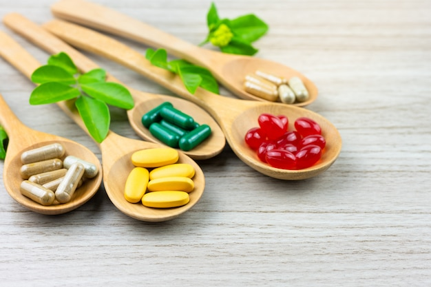 Fitoterapia alternativo, vitaminas e suplementos naturais