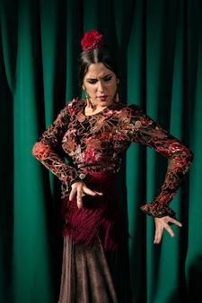 Flamenca, executar, tradicional, floreo
