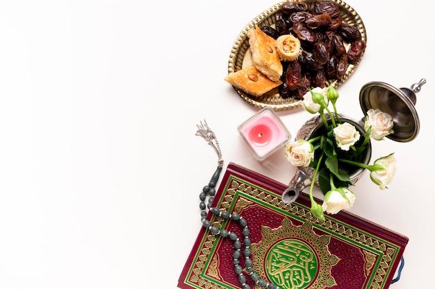 Flat lay ano novo decoração islâmica