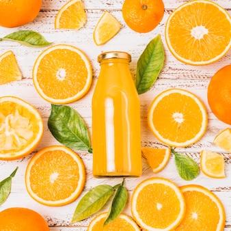 Flat lay arranjo laranja bonito