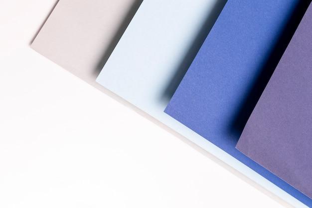 Flat lay diferentes tons de azul padrão com espaço de cópia